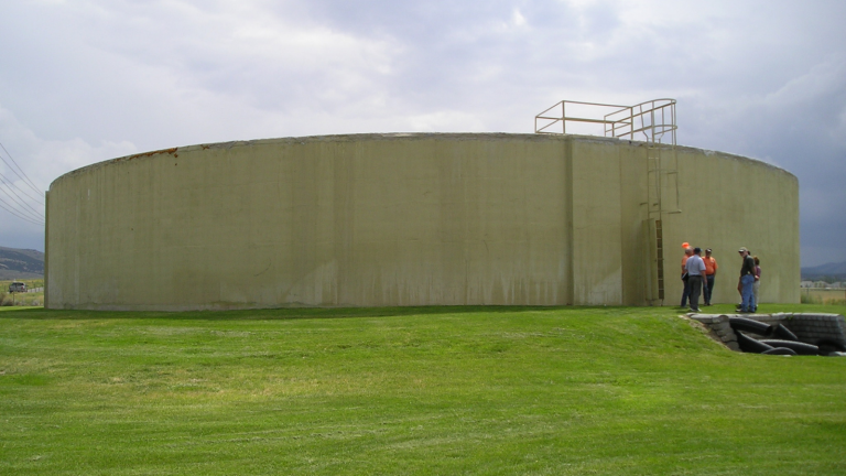 Image of a water holding tank.